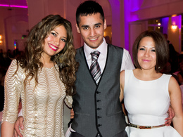Provide 2 hours of brilliant events photography (parties, launches etc) in London