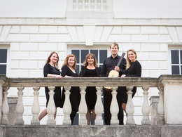 Create group portraits for up to four people, on location in London