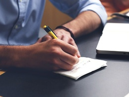 Write 5 SEO product descriptions (100 words each)