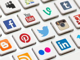 Manage your social media profiles for 1 week