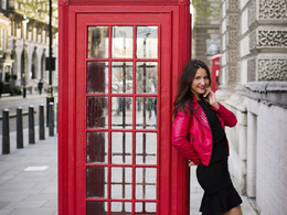 Provide a professional photo shoot around London locations