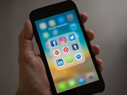 Professionally write 10x social media posts for your business