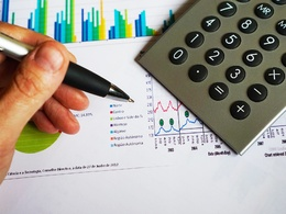 Guest post on Africabusiness.com finance / business  DA52 TF25