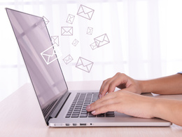 ★ Engage & Inform Your Audience With Emails & Newsletters  ★