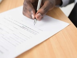 Write a freelance agreement