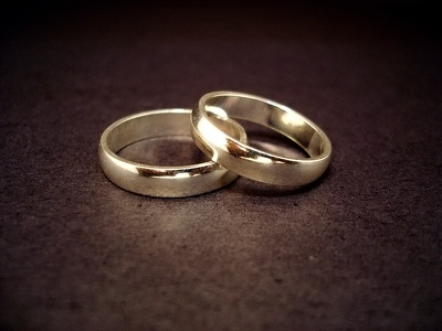 Design your unique wedding rings with unlimited revisions