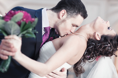 Create specialist content for Wedding and Honeymoon blogs and magazines
