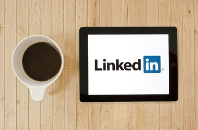 Create you a stand out LinkedIn page for your business (Plus 3 FREE posts)