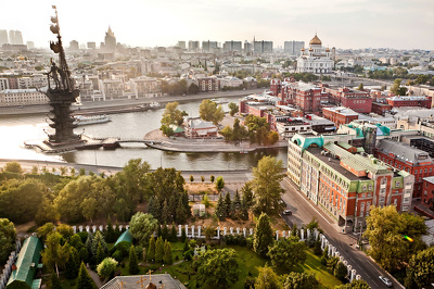 Assist and translate to Russian while you are in Moscow