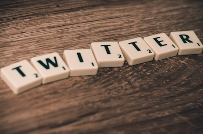Write 30 engaging and well researched tweets