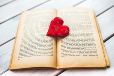 Write 500 words article about relationships, love, gifts... for Valentine's Day