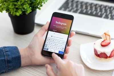 Manage your Photo Based Social Media profile (the Gram that is Insta)