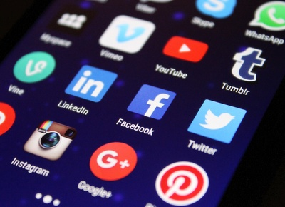 Manage Four Social Media Accounts For 5 Day's