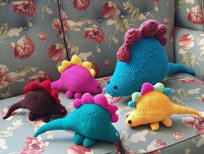 Knit a toy dinosaur