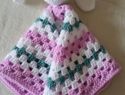 Crochet a baby lovey/comforter