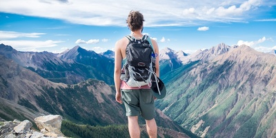 Write high performing travel blog posts based on a very effective influencer strategy