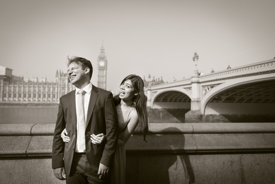 Take couple or engagement photographs in London