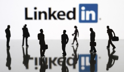 Message your LinkedIn connection in a way that will generate you more business leads