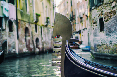 Provide you with a high quality travel photo from Venice (x1)