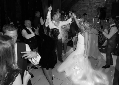 Be Your Wedding Photographer anywhere across the North West