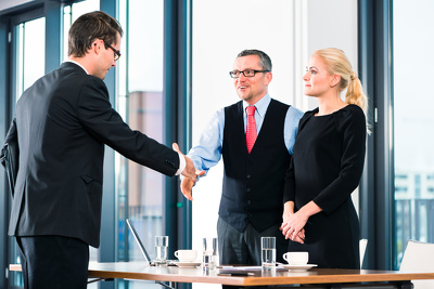 Source 5 sales candidates for you to interview
