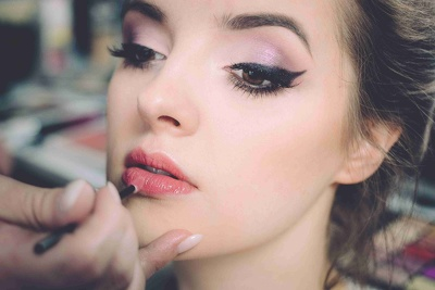 Give You 350 Active Email Database of Makeup Artists in London