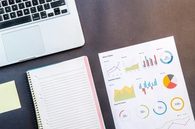 Prepare a Bespoke Investor Presentation - Pitch Deck