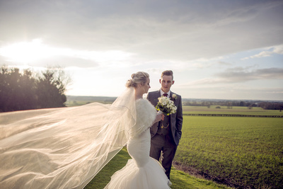 Provide you with stunning, creative and natural Wedding Photogra