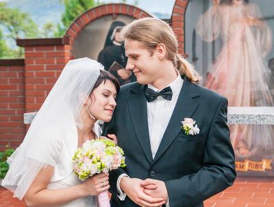 Professional editing of your wedding photos (up to 750 photos)