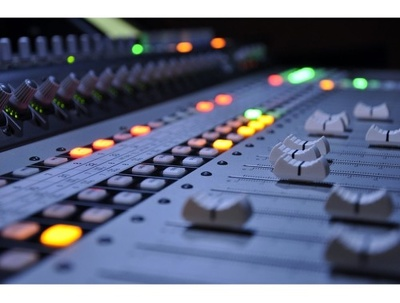 Produce, mix and master any genre and make your music sound prof