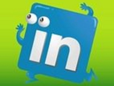 Organize 2 LinkedIn Ads for 2 weeks to Generate LEADS and Grow S