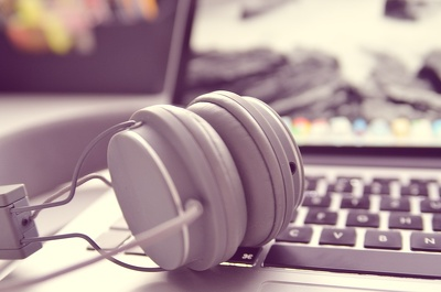 Transcribe audio/video of up to 15 minutes