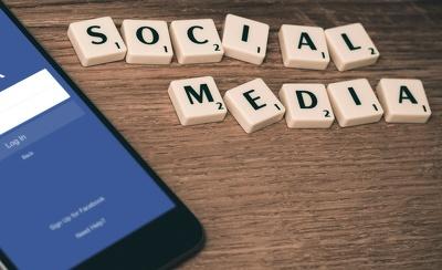 Create  10 authentic social media posts