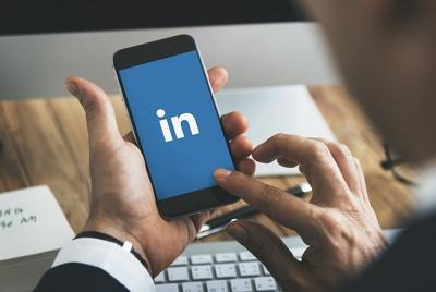 Write a phenomenal  LinkedIn Marketing strategy