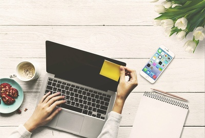 Provide 4 SEO rich blog posts