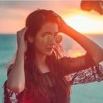 Sadia's avatar