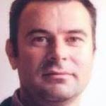César M.