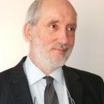Simon T.